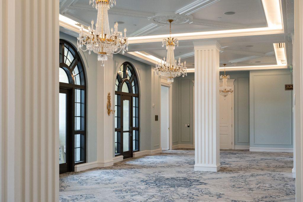 Hotel Carmichael interior